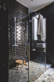 salle-de-bain-noir