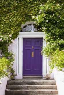 Pantone-Ultra-Violet-entryway-2